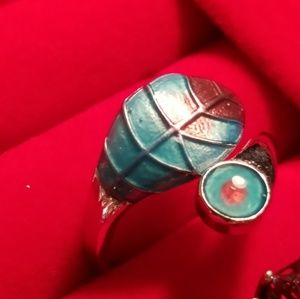 Jewelry - Sterling Silver Turquoise Leaf Wrap Around Ring